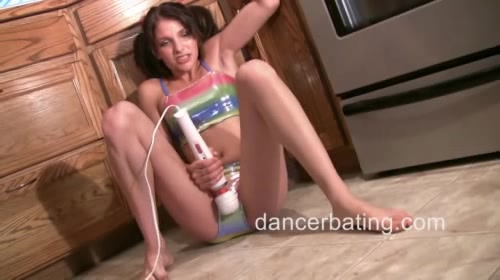 dancerbating lola
