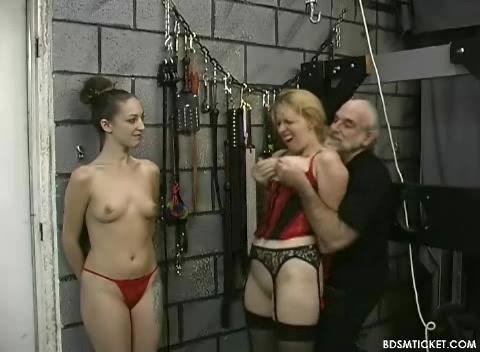 Hot blow job the car horny latina girl swallows cumshot