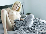 Magnificent blonde masturbating lustfully in the morning.