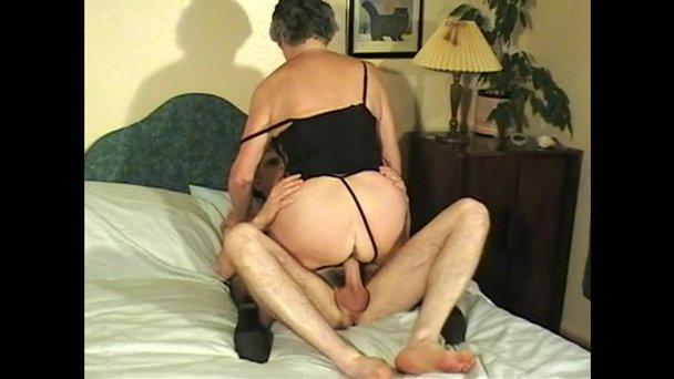 Amatuer porn videos shower