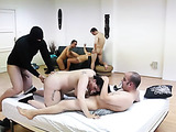 Four dudes and two women have a wild gangbang in their room
